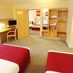 Отель Holiday Inn Express Birmingham Redditch 3* Стандартный номер с различными типами кроватей фото 3