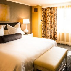 Отель Crowne Plaza Los Angeles-Commerce Casino комната для гостей фото 5