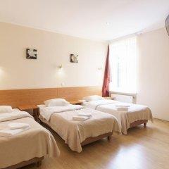 Отель Knights Court Guest House 3* Номер с различными типами кроватей (общая ванная комната) фото 3