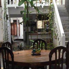 Отель Shoba Travellers Tree Home Stay гостиничный бар