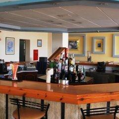 Отель Eliana гостиничный бар