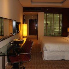Отель Four Points by Sheraton Bur Dubai ОАЭ, Дубай - 1 отзыв об отеле, цены и фото номеров - забронировать отель Four Points by Sheraton Bur Dubai онлайн комната для гостей фото 5