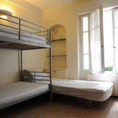 Отель Paranjib Guesthouse Франция, Париж - отзывы, цены и фото номеров - забронировать отель Paranjib Guesthouse онлайн комната для гостей фото 2