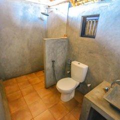 Отель Back of Beyond - Safari Lodge Yala 3* Бунгало с различными типами кроватей фото 4