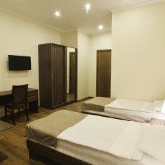 Отель MGK 3* Улучшенный номер с 2 отдельными кроватями