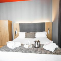 Отель Petit Palace Plaza del Carmen 4* Стандартный номер с различными типами кроватей фото 23