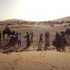 Отель Night Desert Camp Марокко, Мерзуга - отзывы, цены и фото номеров - забронировать отель Night Desert Camp онлайн спортивное сооружение