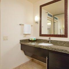 Отель Waikiki Beachcomber by Outrigger 3* Стандартный номер с различными типами кроватей фото 4