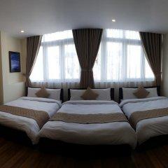 Nam Xuan Premium Hotel 2* Семейный номер Делюкс с двуспальной кроватью