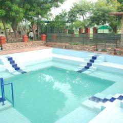 Отель FabHotel Golden Days Club бассейн фото 3