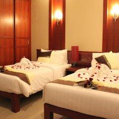 Отель Patong Hemingways 4* Улучшенный номер фото 11