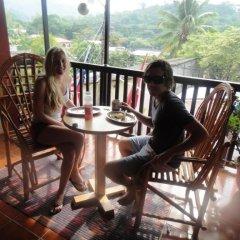 Hotel & Hostel Berakah Копан-Руинас балкон