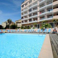 Отель Odalys - Appart'Hotel Les Félibriges Франция, Канны - отзывы, цены и фото номеров - забронировать отель Odalys - Appart'Hotel Les Félibriges онлайн бассейн фото 2