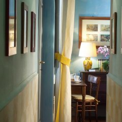 Отель Antica Dimora Firenze 3* Номер Делюкс с различными типами кроватей фото 9