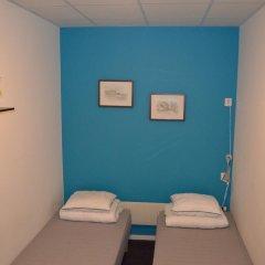 Отель Interhostel 2* Стандартный номер с 2 отдельными кроватями (общая ванная комната) фото 3