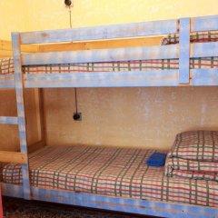 Хостел Trinity & Tours Кровать в общем номере с двухъярусной кроватью фото 14