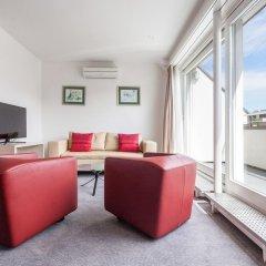 Апартаменты EMA House Serviced Apartments, Seefeld комната для гостей фото 3
