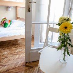 Roommates Hostel Кровать в общем номере фото 3