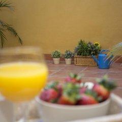 Отель SingularStays Botanico 29 Rooms Испания, Валенсия - отзывы, цены и фото номеров - забронировать отель SingularStays Botanico 29 Rooms онлайн питание фото 3
