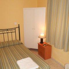 Отель Pension Perez Montilla 2* Стандартный номер с 2 отдельными кроватями (общая ванная комната) фото 4