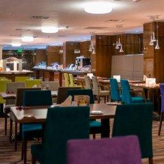 Гостиница Holiday Inn Aktau Казахстан, Актау - отзывы, цены и фото номеров - забронировать гостиницу Holiday Inn Aktau онлайн питание фото 3