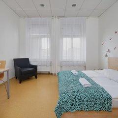 Hostel Florenc Стандартный номер с двуспальной кроватью (общая ванная комната) фото 2