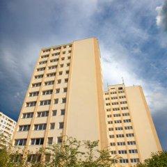 Отель a&o Prag Metro Strizkov вид на фасад фото 4