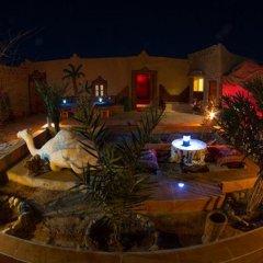 Отель Chez Les Habitants Марокко, Мерзуга - отзывы, цены и фото номеров - забронировать отель Chez Les Habitants онлайн бассейн фото 2