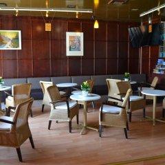 Отель Center Hotel Imatra Финляндия, Иматра - 13 отзывов об отеле, цены и фото номеров - забронировать отель Center Hotel Imatra онлайн гостиничный бар фото 3