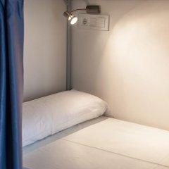 Отель St Christopher's Inn Кровать в общем номере фото 2