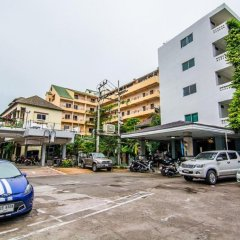 Отель Sutus Court 3 парковка
