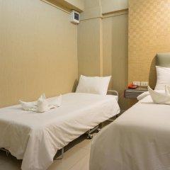 Отель NRC Residence Suvarnabhumi 3* Улучшенный номер с различными типами кроватей фото 3