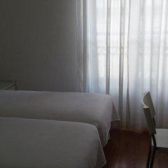 Отель Hostal Santa Isabel Испания, Мадрид - отзывы, цены и фото номеров - забронировать отель Hostal Santa Isabel онлайн комната для гостей фото 4