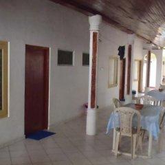 Отель Surfing Beach Guest House Шри-Ланка, Хиккадува - отзывы, цены и фото номеров - забронировать отель Surfing Beach Guest House онлайн питание фото 3