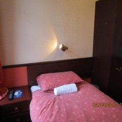 Отель Trentham Guest House сейф в номере