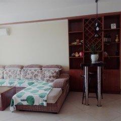 Отель Golden Mango Апартаменты с различными типами кроватей фото 37