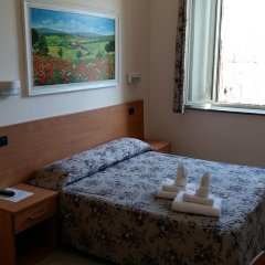 Отель Friendship Place 3* Стандартный номер с двуспальной кроватью фото 21