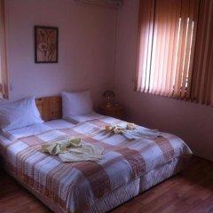 """Отель Toncho""""s Guest House & Mehana Велико Тырново комната для гостей фото 3"""