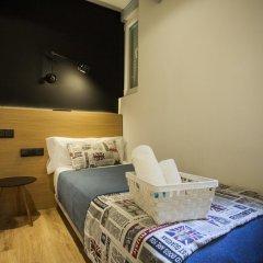 Отель Hostal CC Malasaña Стандартный номер с различными типами кроватей фото 8