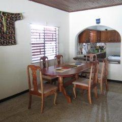 Porty Hostel Порт Антонио в номере фото 2