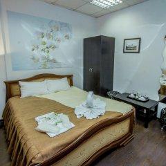 Мини-отель WELCOME Стандартный номер с двуспальной кроватью (общая ванная комната)