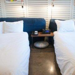 Ace Hotel and Swim Club 3* Стандартный номер с различными типами кроватей фото 18