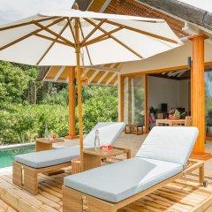 Отель Kudafushi Resort and Spa бассейн фото 2