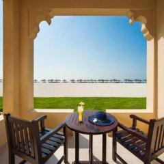 Отель Hilton Al Hamra Beach & Golf Resort 5* Стандартный номер с различными типами кроватей фото 2