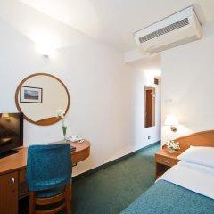 Hotel Central 3* Стандартный номер с разными типами кроватей фото 6