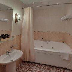 Гостиница Алеша Попович Двор 3* Люкс повышенной комфортности с различными типами кроватей фото 2