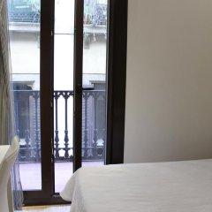 Отель Hostal Fina Испания, Барселона - отзывы, цены и фото номеров - забронировать отель Hostal Fina онлайн комната для гостей фото 4