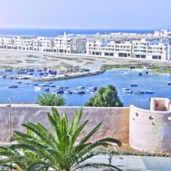 Отель Golden Tulip Farah Rabat Марокко, Рабат - отзывы, цены и фото номеров - забронировать отель Golden Tulip Farah Rabat онлайн пляж