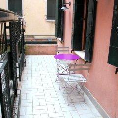 Отель Romantic Rialto Италия, Венеция - отзывы, цены и фото номеров - забронировать отель Romantic Rialto онлайн балкон
