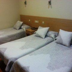 Отель Hostal Avenida Стандартный номер с 2 отдельными кроватями фото 10